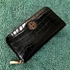 Tory Burch Black Patent Leather Zip Around Wallet
